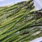 zielone szparagi z piekarnika