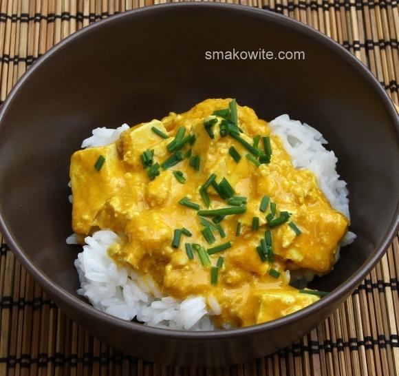 tofu curry z mango i ryżem jaśminowym