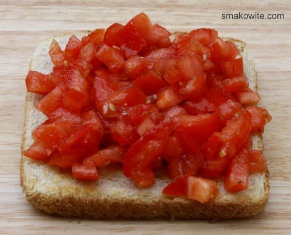 grzanki z pomidorem