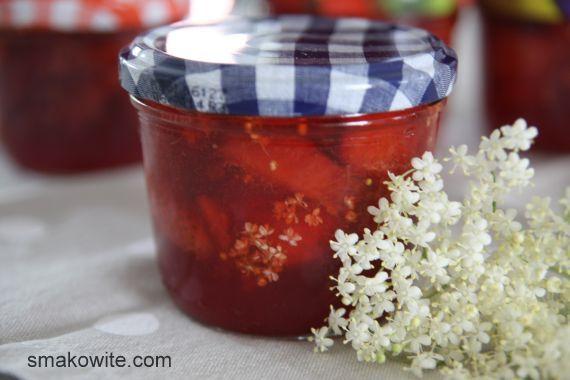 konfitura truskawowa z kwiatami bzu