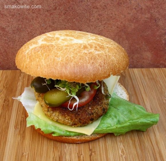 burger z quinoa