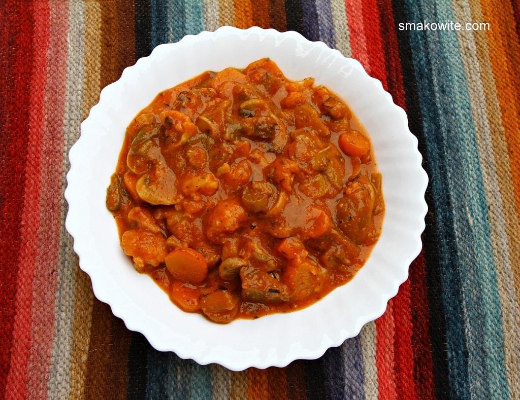 wegetariański gulasz węgierski